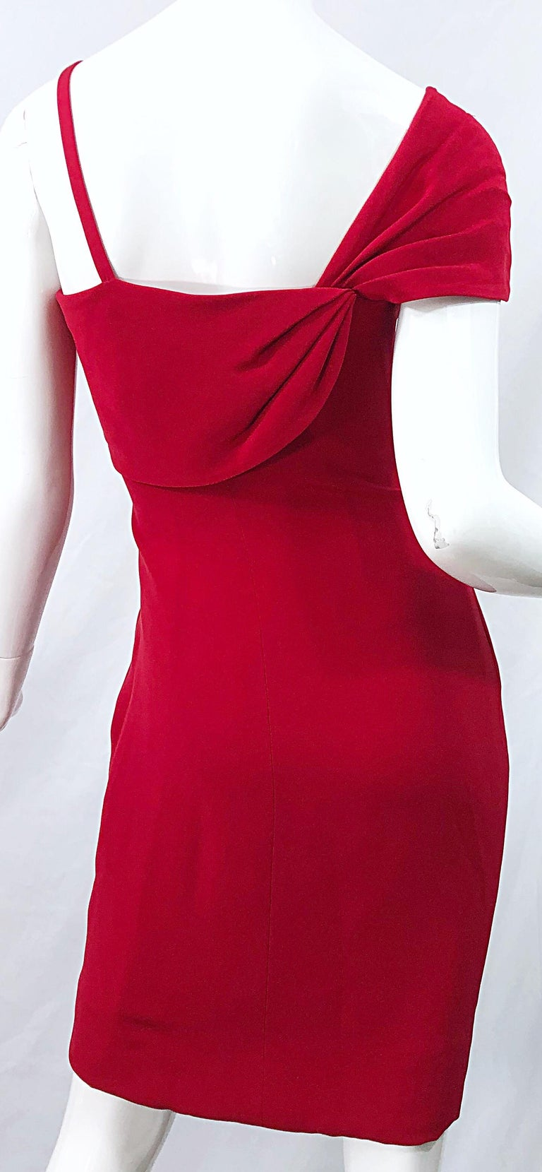 Vintage Bill Blass 1990s Size 6 Lipstick Red One Shoulder 90s Silk Dress For Sale 5