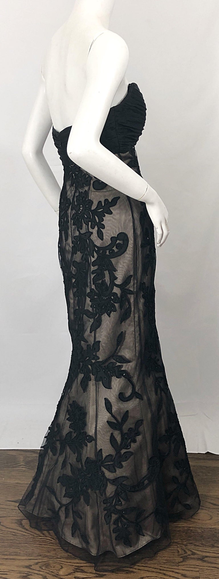 Vintage Bill Blass Couture Size 4 / 6 Black + Nude Beaded Strapless Mermaid Gown For Sale 6