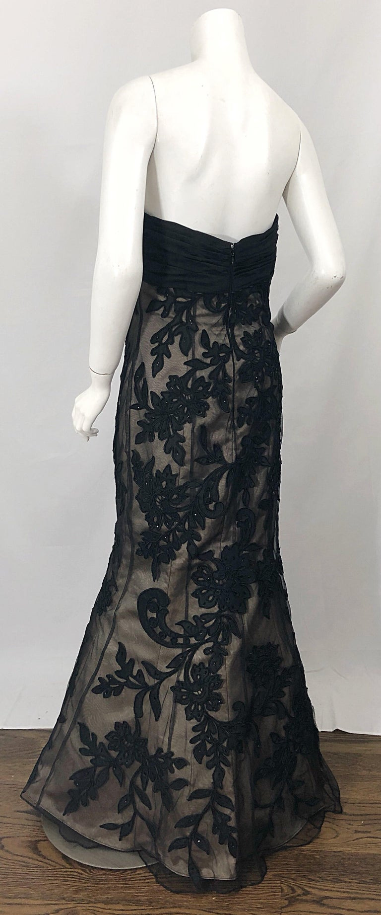 Vintage Bill Blass Couture Size 4 / 6 Black + Nude Beaded Strapless Mermaid Gown For Sale 7