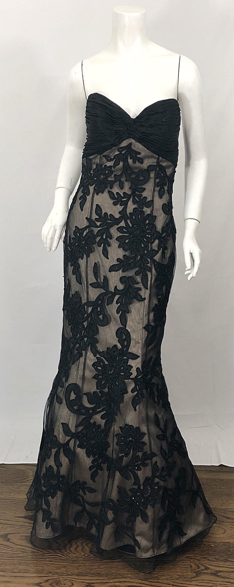 Vintage Bill Blass Couture Size 4 / 6 Black + Nude Beaded Strapless Mermaid Gown For Sale 8