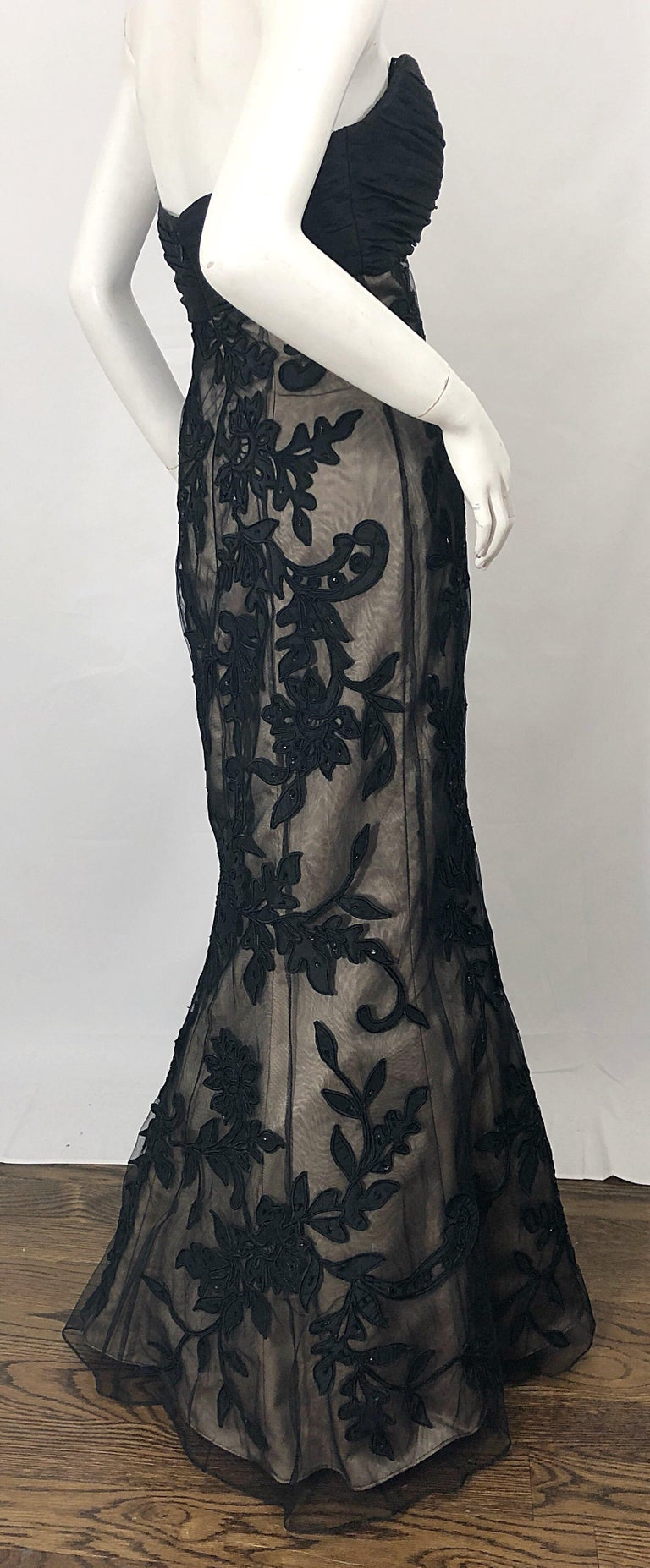 Vintage Bill Blass Couture Size 4 / 6 Black + Nude Beaded Strapless Mermaid Gown For Sale 1