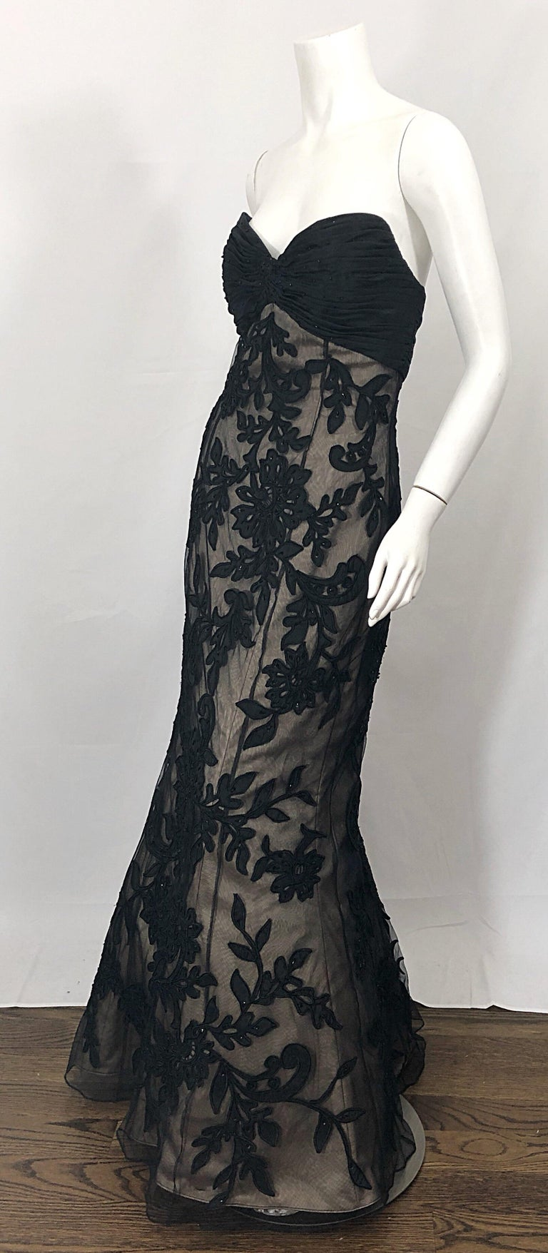 Vintage Bill Blass Couture Size 4 / 6 Black + Nude Beaded Strapless Mermaid Gown For Sale 2