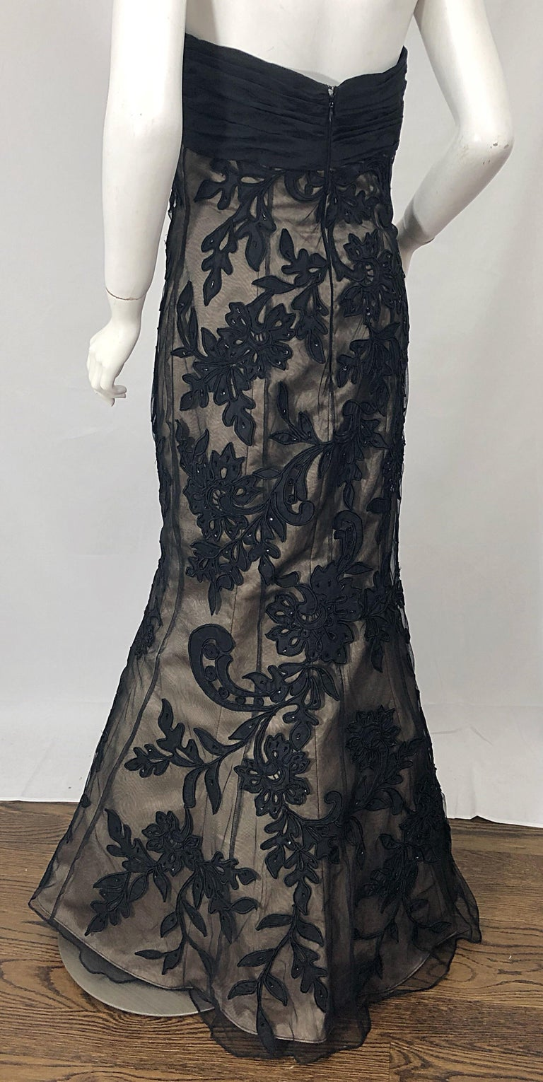Vintage Bill Blass Couture Size 4 / 6 Black + Nude Beaded Strapless Mermaid Gown For Sale 3