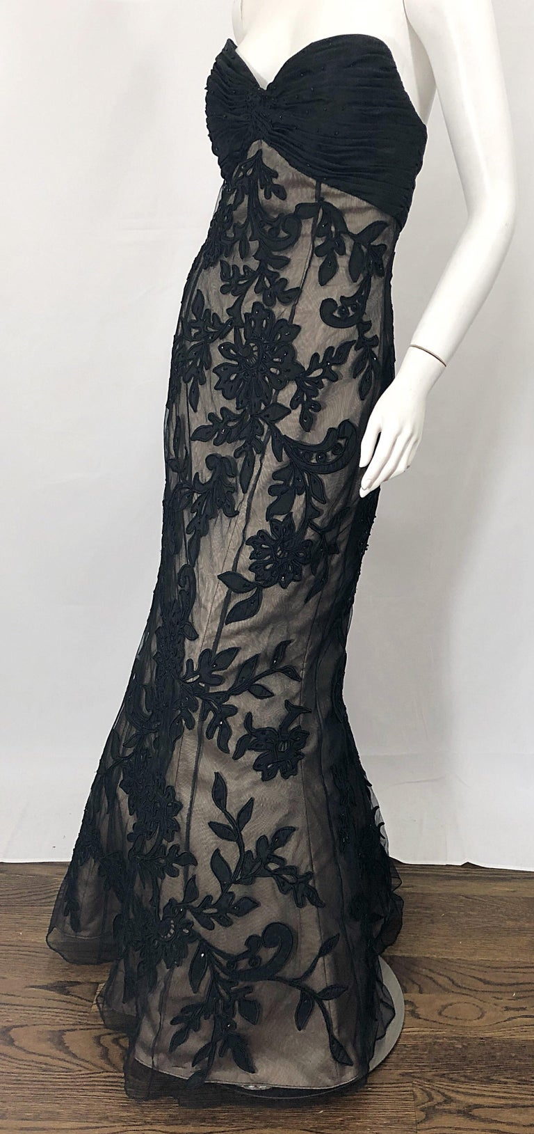 Vintage Bill Blass Couture Size 4 / 6 Black + Nude Beaded Strapless Mermaid Gown For Sale 5