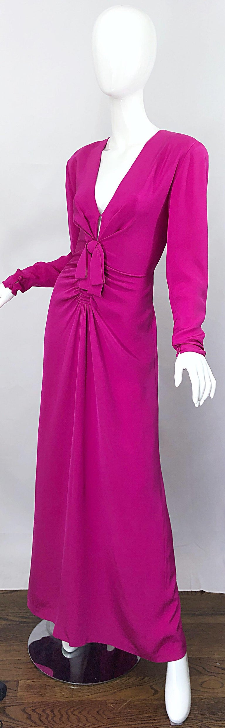 Vintage Bill Blass Size 10 Hot Pink Silk Jersey Cut - Out 1980s 80s Evening Gown For Sale 7