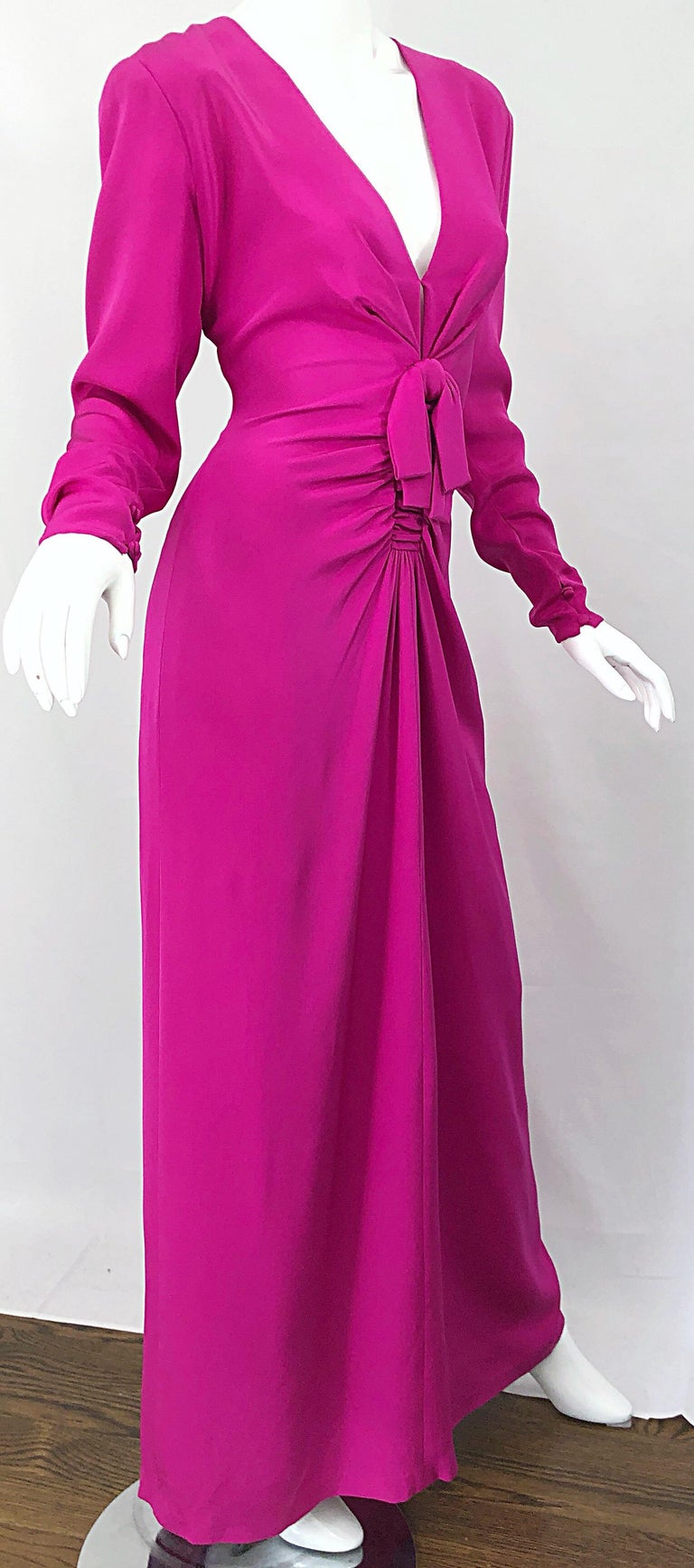 Vintage Bill Blass Size 10 Hot Pink Silk Jersey Cut - Out 1980s 80s Evening Gown For Sale 11