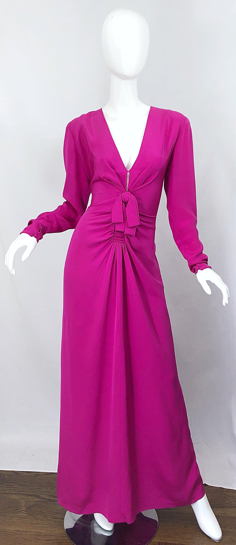 Vintage Bill Blass Size 10 Hot Pink Silk Jersey Cut - Out 1980s 80s Evening Gown For Sale 13