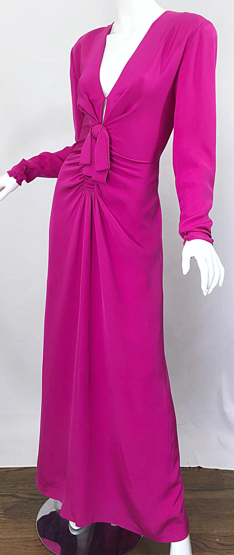 Vintage Bill Blass Size 10 Hot Pink Silk Jersey Cut - Out 1980s 80s Evening Gown For Sale 2