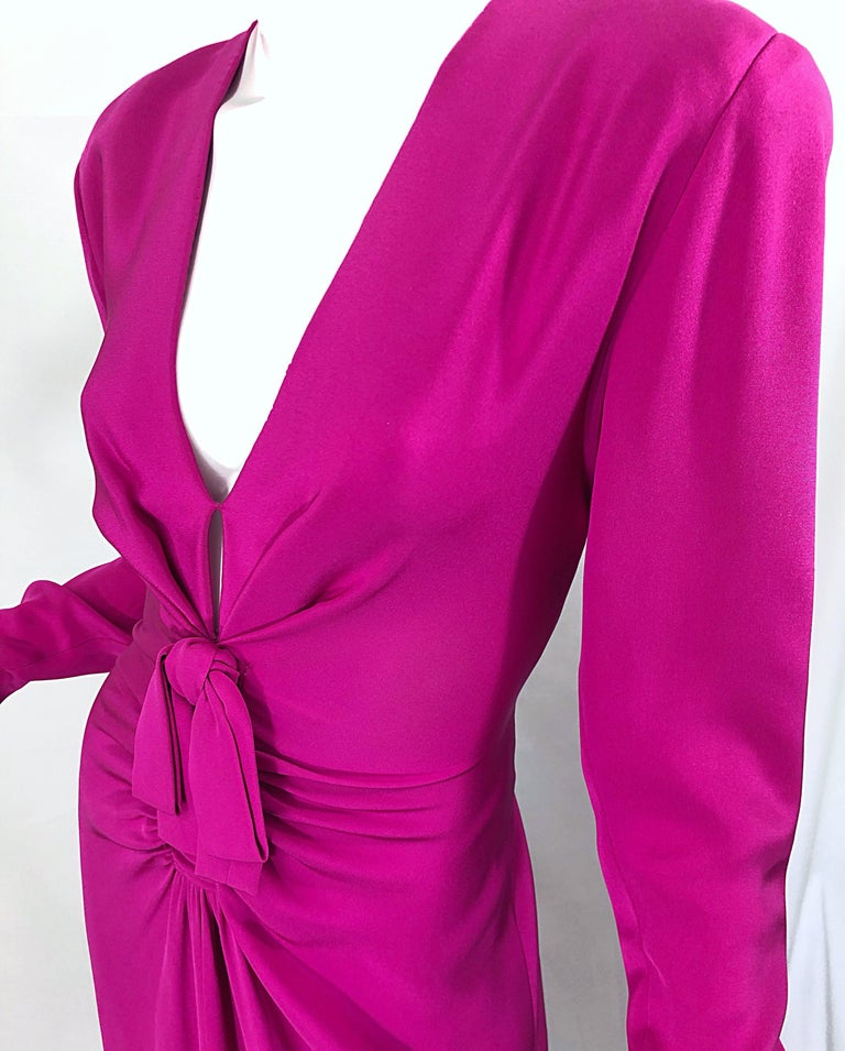 Vintage Bill Blass Size 10 Hot Pink Silk Jersey Cut - Out 1980s 80s Evening Gown For Sale 4