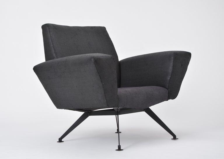 Vintage Black Italian Lounge Chair Model 548 by Lenzi, 1960s For Sale 4