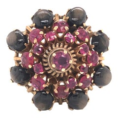 Vintage Black Star Sapphire and Ruby 18 Karat Yellow Gold Ring