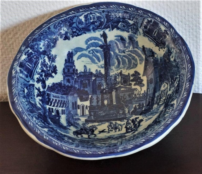 Vintage Blue and White Ceramic Wash Bowl and Water Pitcher in Victorian Style For Sale 1