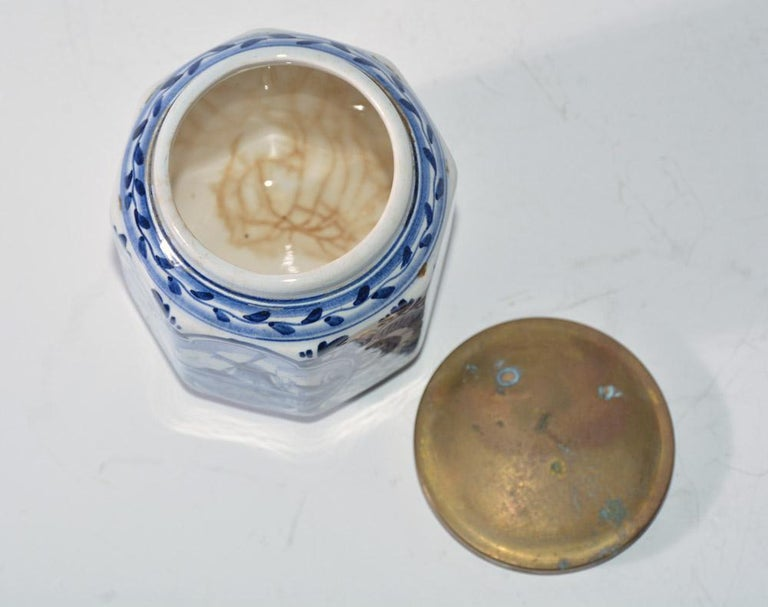 Vintage Blue and White Octagonal Canister with Brass Lid In Good Condition For Sale In Great Barrington, MA