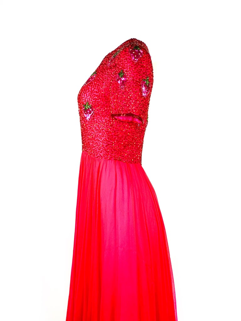 Vintage BOB MACKIE Red and Pink Strawberry Maxi Evening Dress Gown Size 10 For Sale 3