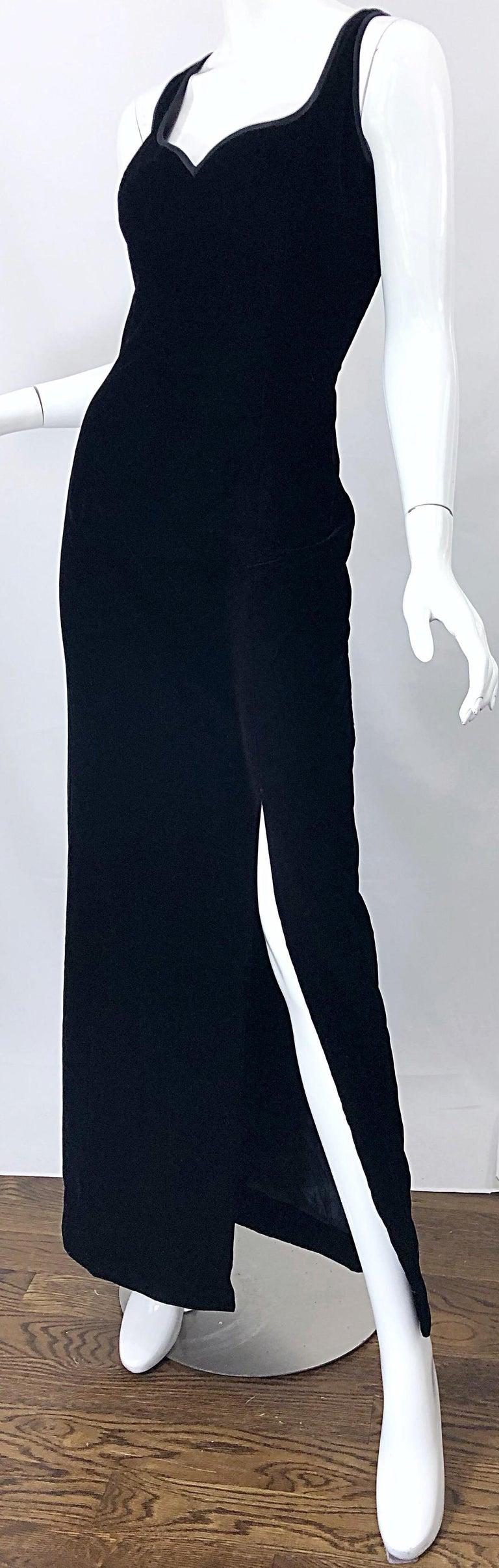 Vintage Bob Mackie Size 14 Black Velvet 1990s Sleeveless Sweetheart 90s Gown For Sale 7