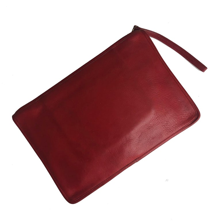 Women's or Men's Vintage Bonnie Cashin for Coach Large Slim Clutch Bag Red Leather NYC 70s  For Sale