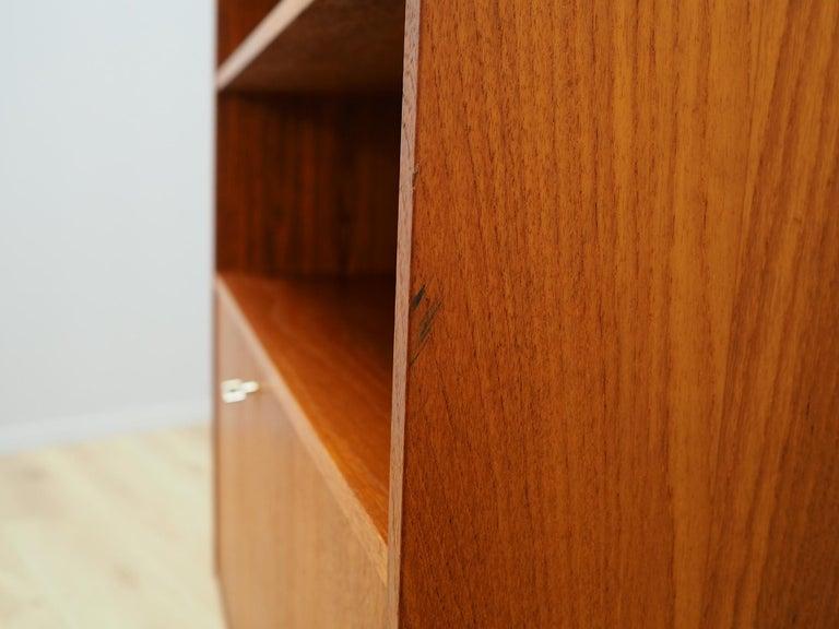 Vintage Bookcase Teak 1960-1970 Danish Design For Sale 4