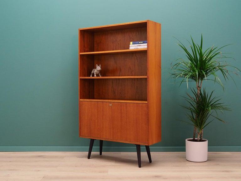 Vintage Bookcase Teak 1960-1970 Danish Design In Good Condition For Sale In Szczecin, Zachodniopomorskie