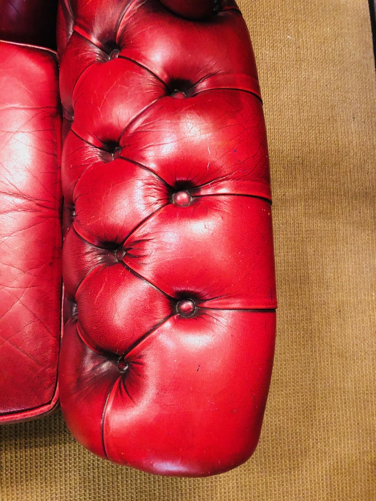 Vintage Bordeau Leather Chesterfield Tufted Wingback Two-Seat Sofa For Sale 2