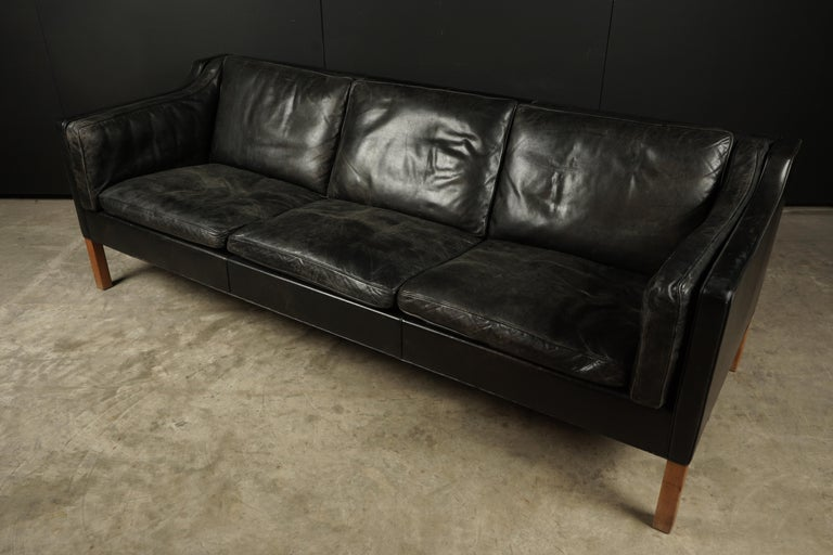 Vintage Borge Mogensen three-seat leather sofa, model 2213, 1980s. Original black leather upholstery with great wear and patina. Extremely comfortable.