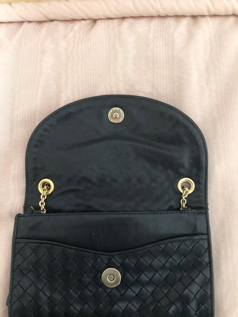 Vintage Bottega Veneta Black Intrecciato Handbag with Chain Strap For Sale 1
