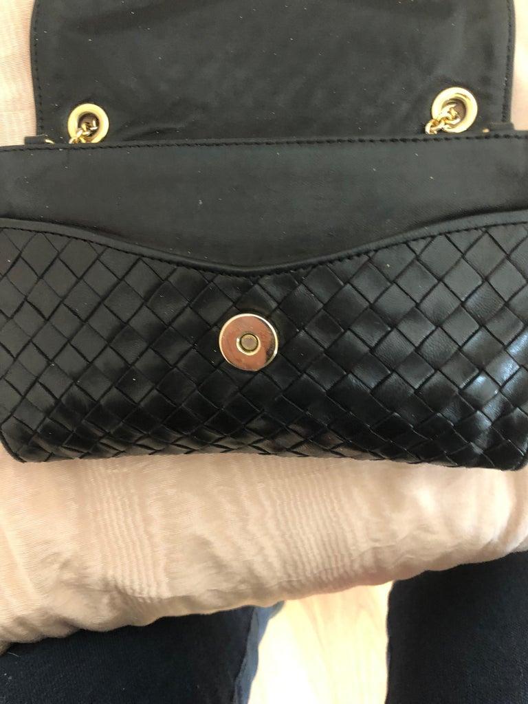 Vintage Bottega Veneta Black Intrecciato Handbag with Chain Strap For Sale 4
