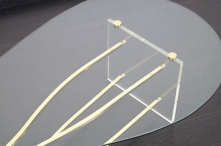 Vintage Brass and Lucite Kidney Shaped Coffee Table For Sale 4
