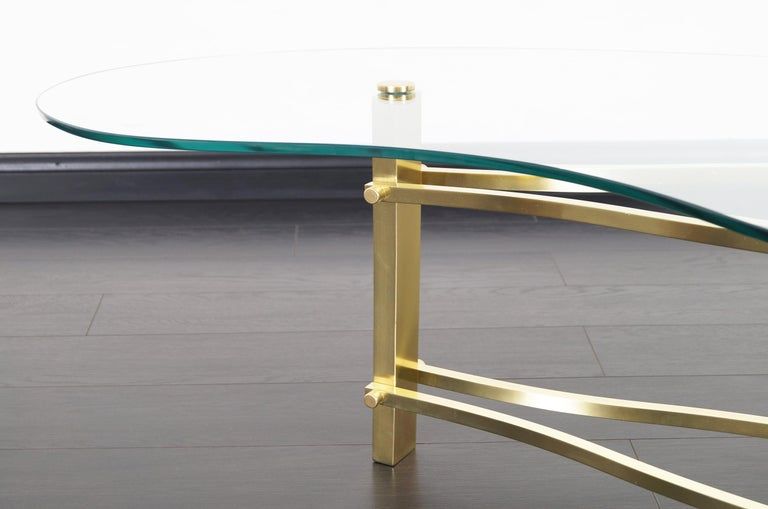 Mid-Century Modern Vintage Brass and Lucite Kidney Shaped Coffee Table For Sale