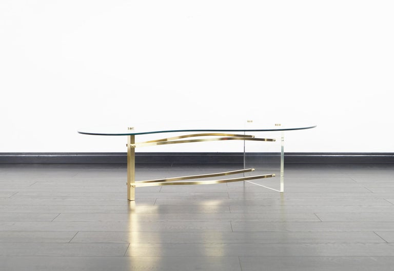 Late 20th Century Vintage Brass and Lucite Kidney Shaped Coffee Table For Sale