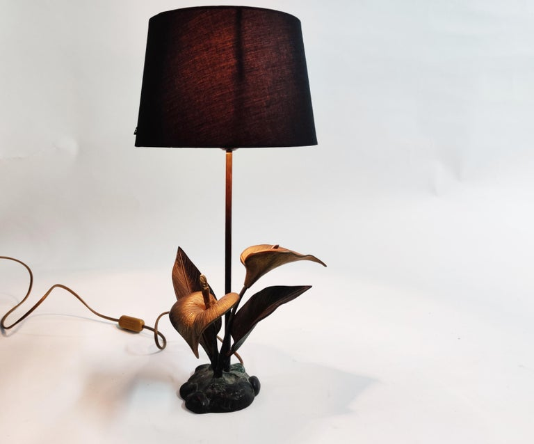 Hollywood Regency Vintage Brass Lily Flower Table Lamp, 1970s For Sale