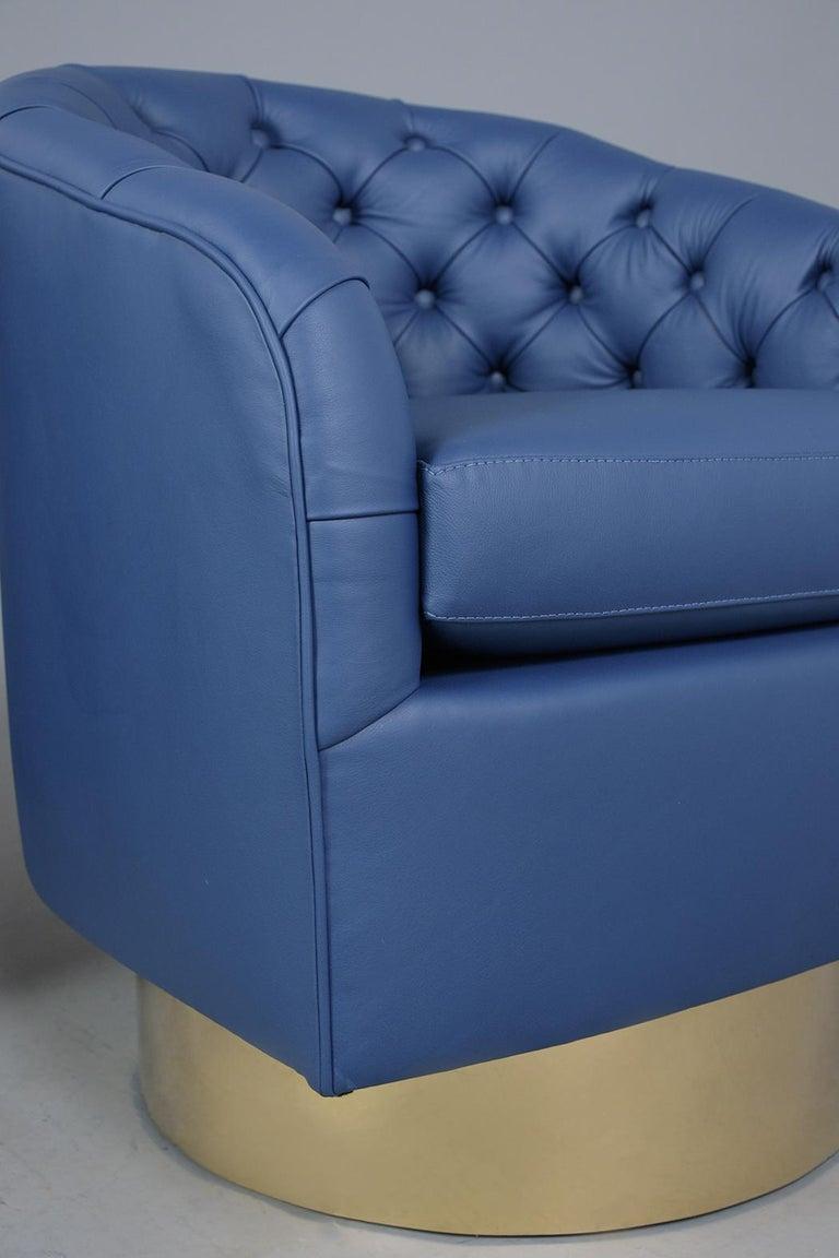 Mid-Century Modern Milo Baughman Style Swivel Lounge Chairs For Sale