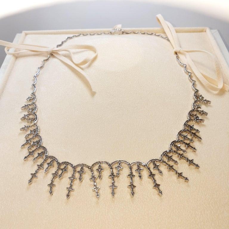 Artisan Vintage Brilliant Diamond Star Choker Necklace in 18 Karat Gold For Sale