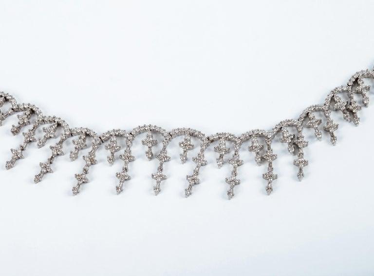 Women's Vintage Brilliant Diamond Star Choker Necklace in 18 Karat Gold For Sale