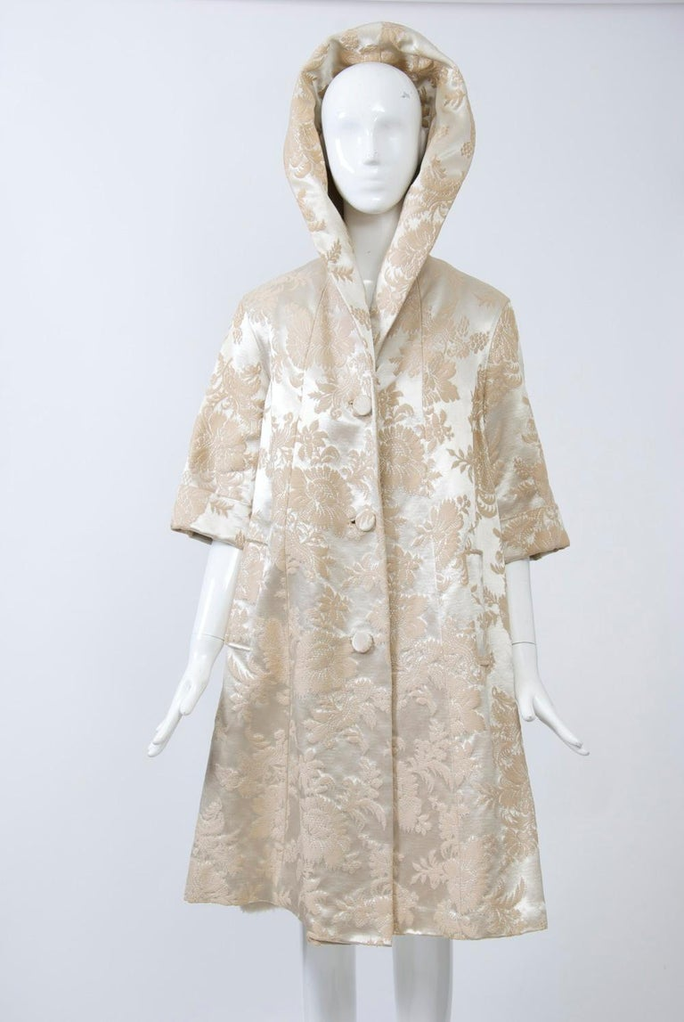 Vintage Brocade Coat with Plush Lining In Good Condition For Sale In Alford, MA