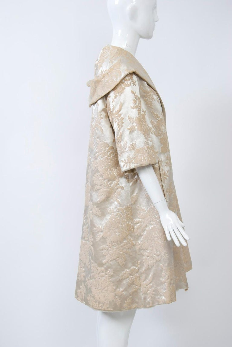 Vintage Brocade Coat with Plush Lining For Sale 1