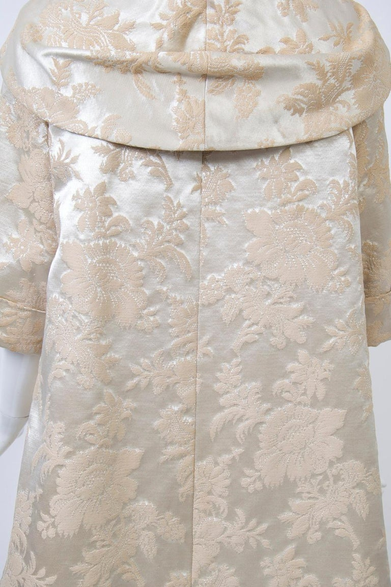 Vintage Brocade Coat with Plush Lining For Sale 3