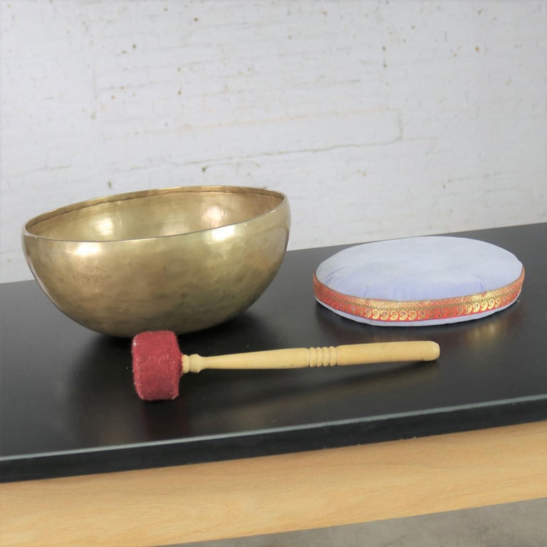 Vintage Bronze Handmade Singing Bowl or Standing Bowl with Mallet on Pillow For Sale 1