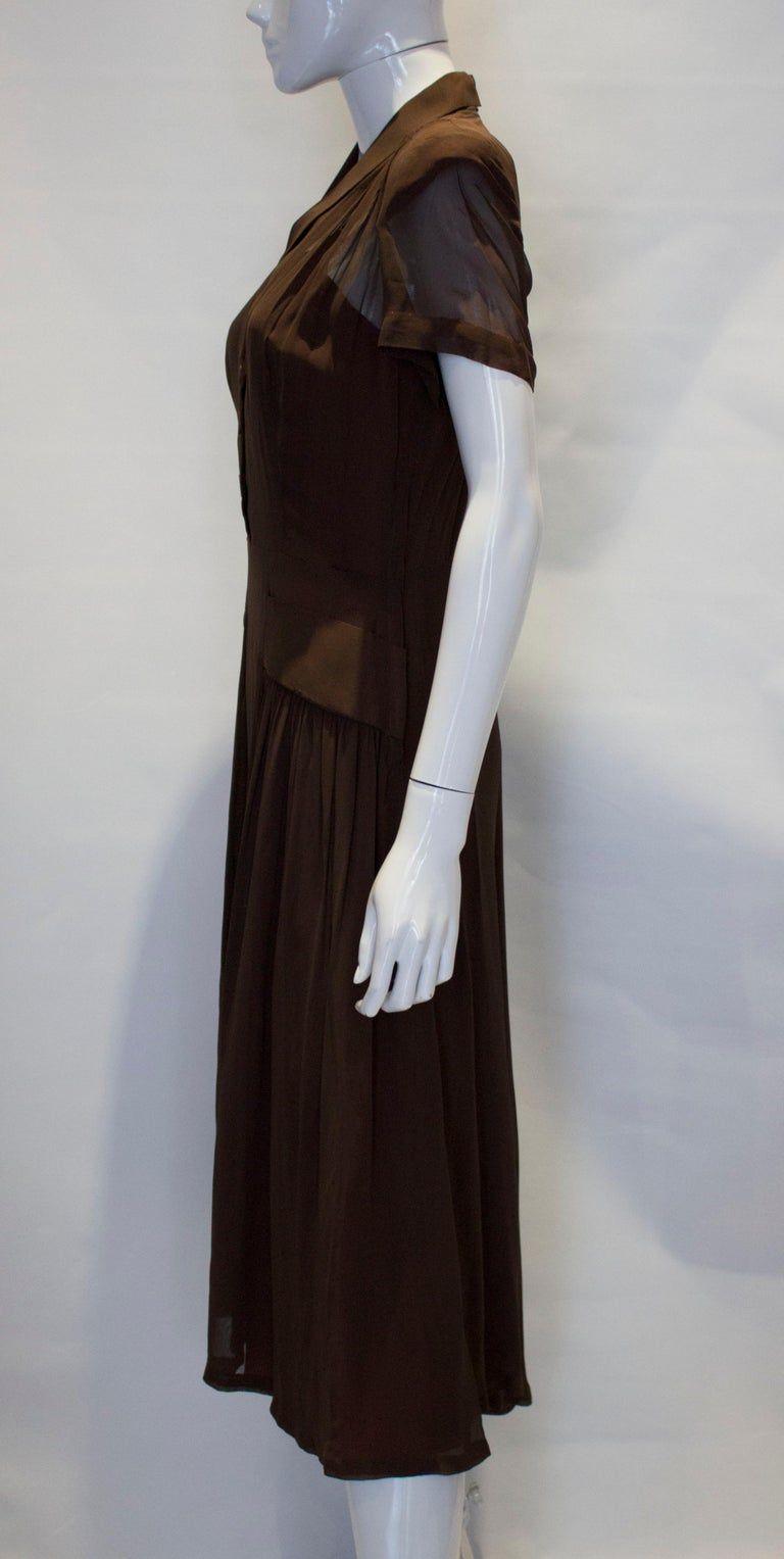 Women's Vintage Brown 1940s Dress For Sale