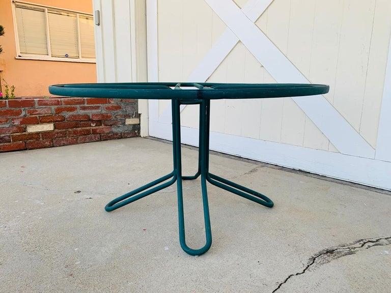 Mid-Century Modern Vintage Brown Jordan Round Dining Table For Sale