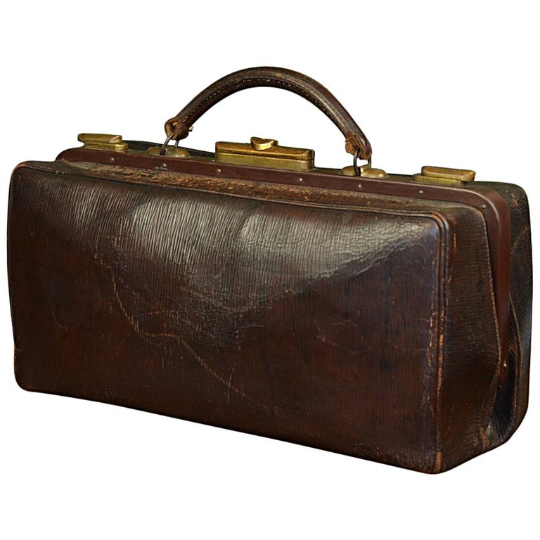 0f2c5d3570 Vintage Brown Leather Doctor s Bag with Brass Lockers For Sale at 1stdibs