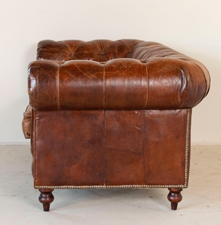 Vintage Brown Leather English Chesterfield Sofa In Good Condition In Round Top, TX