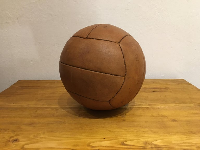 20th Century Vintage Brown Leather Medicine Ball, 2kg, 1930s For Sale