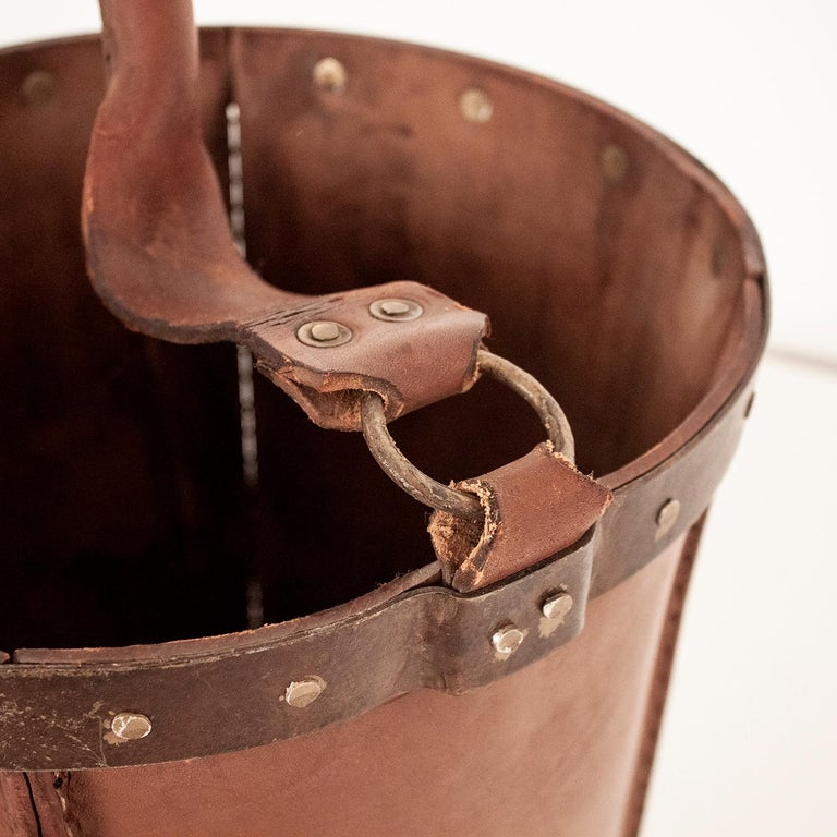 Vintage Brown Leather Waste Basket, Valenti, Spain, 1970s In Good Condition For Sale In Barcelona, Cataluna