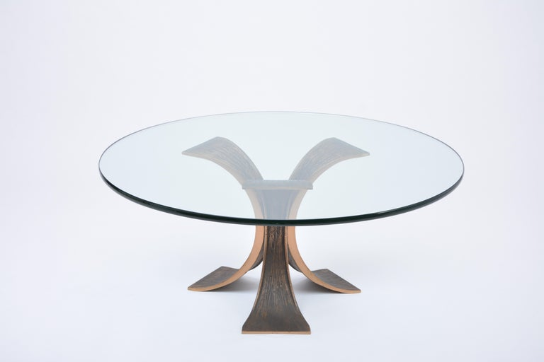 Vintage Brutalist Coffee Table Made of Bronze and Glass In Good Condition For Sale In Berlin, DE