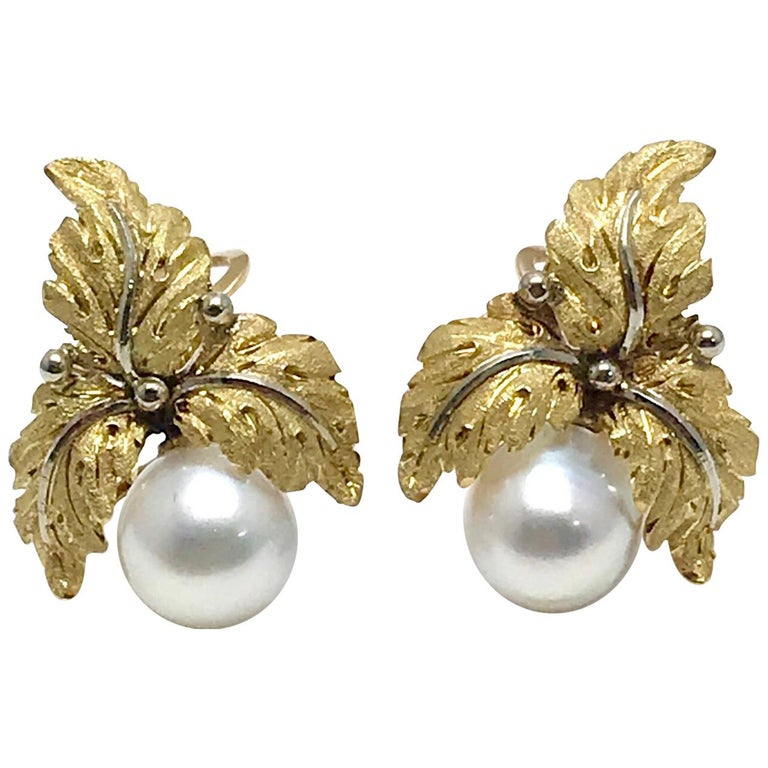 Vintage Buccellati Cultured Pearl and 18K Yellow & White Gold Leaf Clip Earrings For Sale
