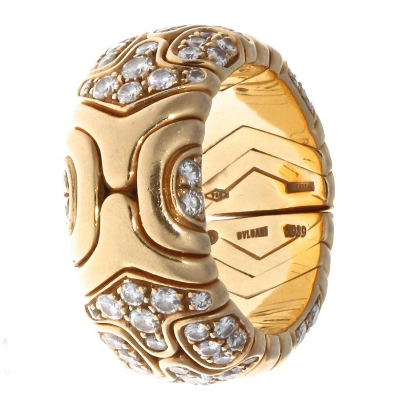 Contemporary Vintage Bulgari Diamond 18 Karat Gold Ring For Sale