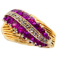 Vintage Burma Ruby and Diamond Ring, circa 1960, 18 Karat Yellow Gold