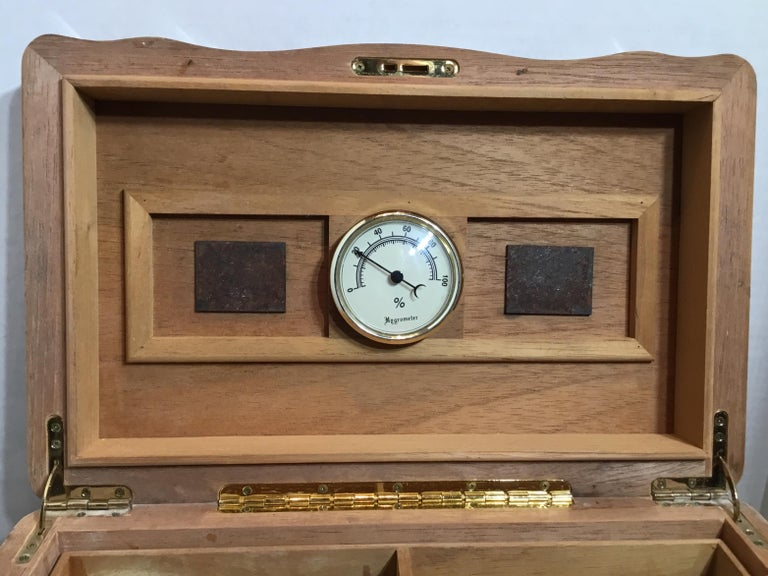 Vintage Burr Elm Humidor with Fitted Interior 4