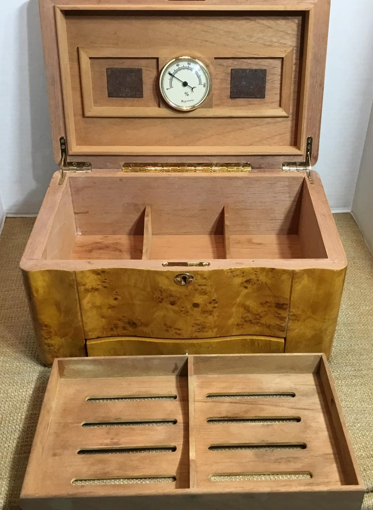 Vintage Burr Elm Humidor with Fitted Interior 5