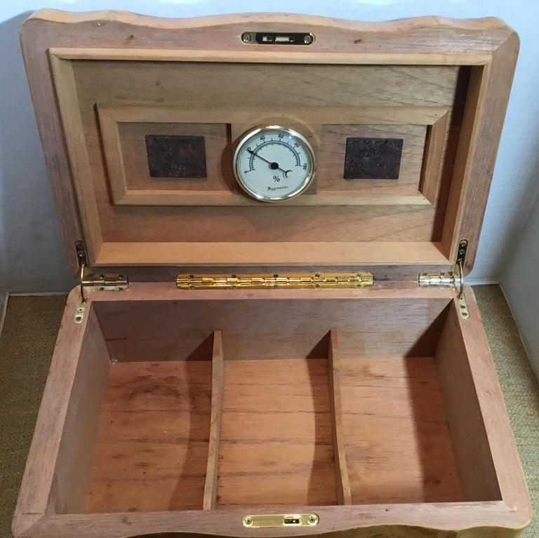 Vintage Burr Elm Humidor with Fitted Interior 6